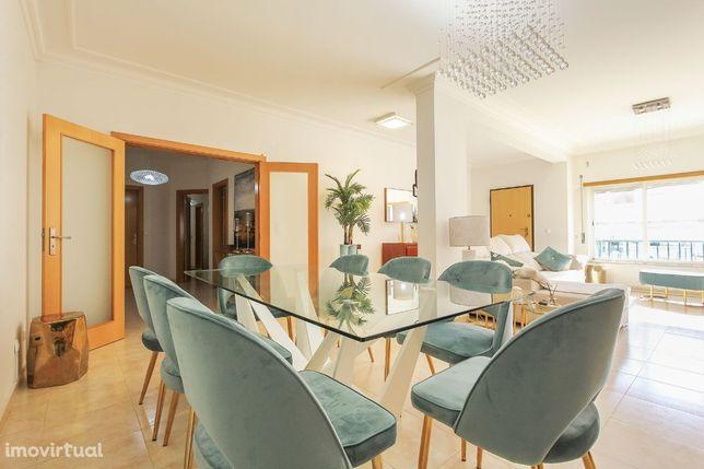 Apartamento T3 urbano moderno - Coina – 195.000€