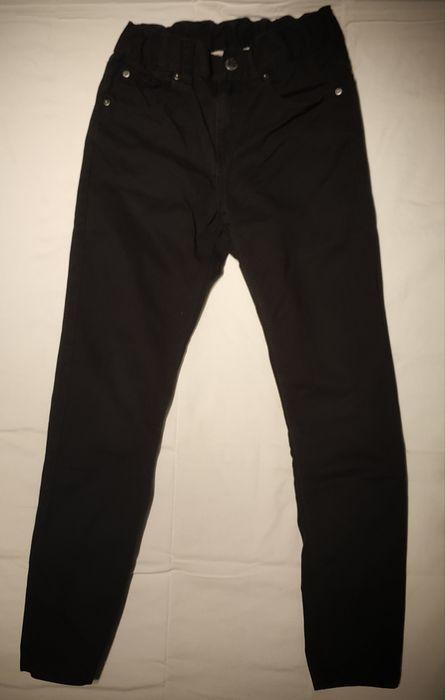 Czarne spodnie jeansowe chłopięce rozm 128 Częstochowa - image 1