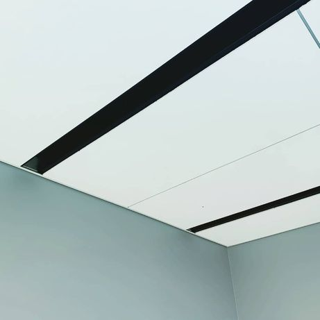 Sufit podwieszany, kasetonowy typu Armstrong, modułowy