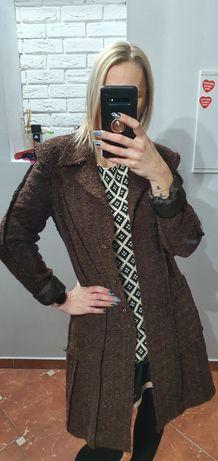 Czekoladowy Vintage płaszcz tweedowy Must Have 2021