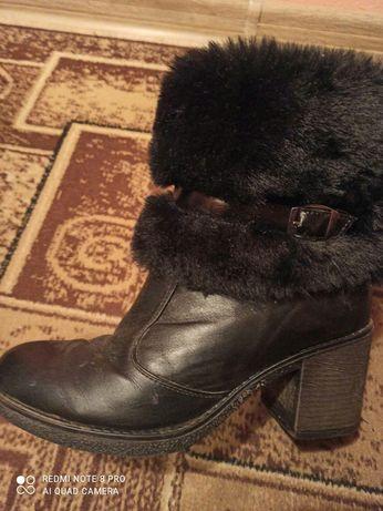 Продаються чобітки зимові 39розмір