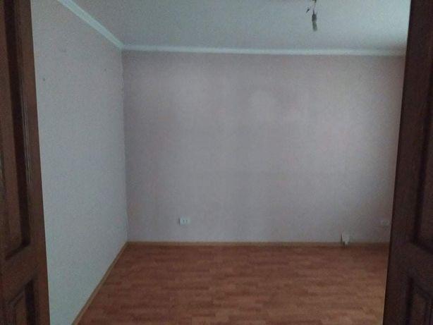 _Продам будинок в місті.