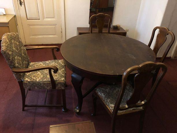Pilnie sprzedam stół na 12 osób rozsuwany antyk z 4 krzesłami antyk