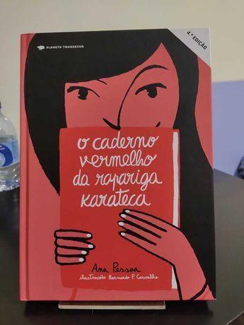 """Livro """"O caderno vermelho da rapariga karateca"""""""