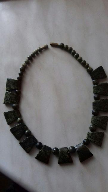 Колье из натурального камня Змеевик