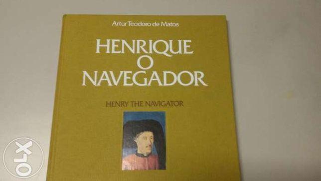 """Livro de selos entitulado """" Henrique o Navegador"""""""