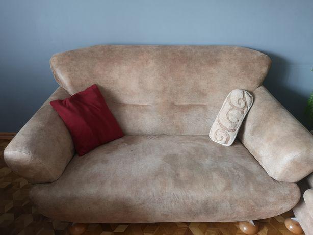 Komplet wypoczynkowy beżowy dwie sofy dwa fotele