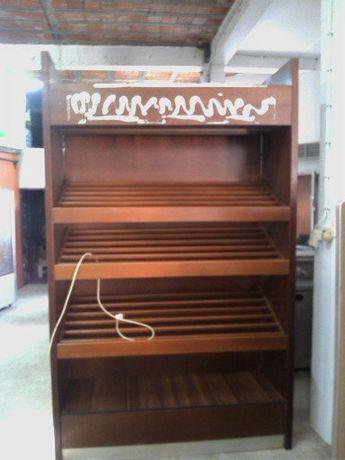 Móvel expositor de pão em madeira 1600x600x2500 mm