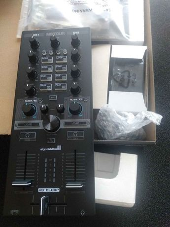 Reloop Mixtour Solução Universal o controlador DJ muito completo