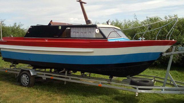 Lodz motorowa 6,5m