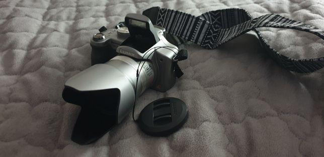 aparat cyfrowy kompakt Panasonic DMC-FZ8 obiektyw Leica