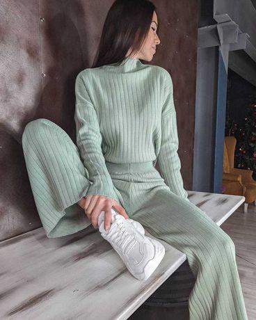 Модный женский костюм рубчик брюки клеш гольф красивый прогулочный