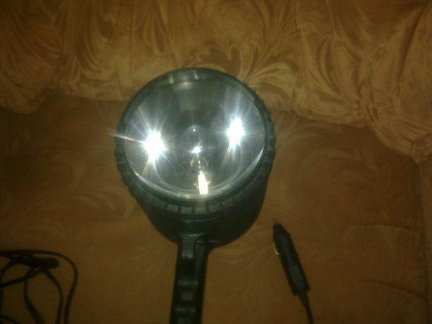 Продам мощный автомобильный прожектор