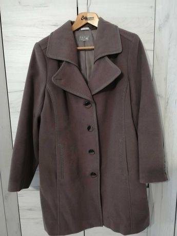 Płaszcz zimowy w rozmiarze 48