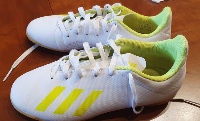 Sapatilhas Adidas Futsal Tamanho 35
