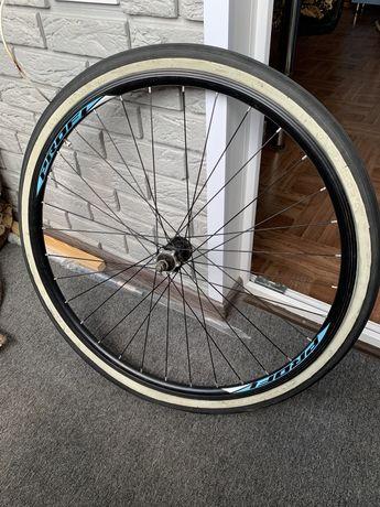 Колесо. Колесо на велосипед. Шоссейное колесо. Велосипед.