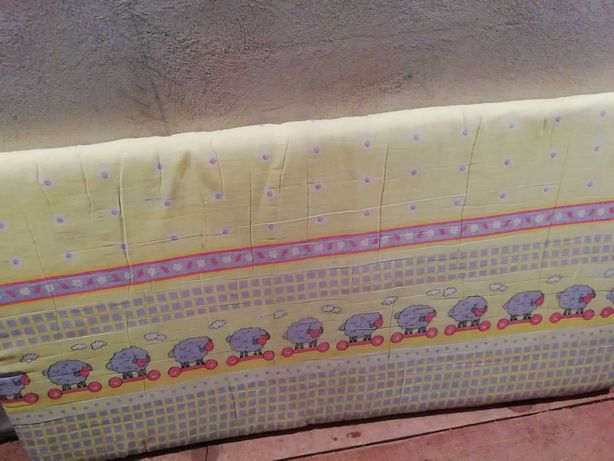 Materac do łóżeczka dla dzieci plus 2 ochraniacze