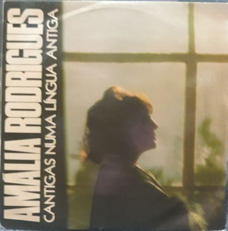 """Lp - Amália Rodrigues """"Cantigas numa língua antiga"""""""