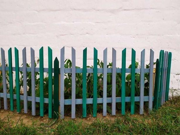 Деревянный садовый забор