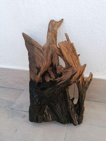 Tronco grande de madeira para aquário