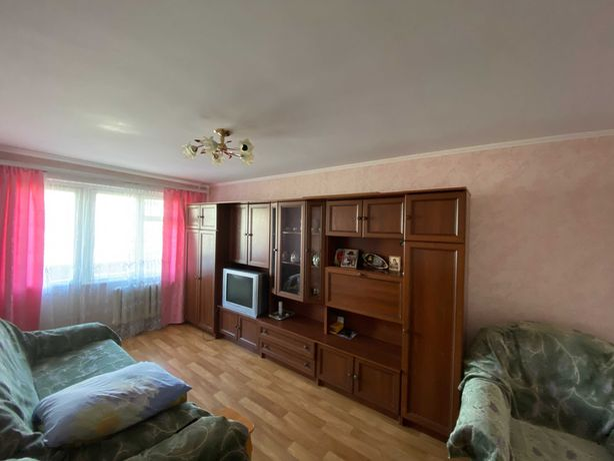 Продам 2-х комнтантую квартиру на Богунии