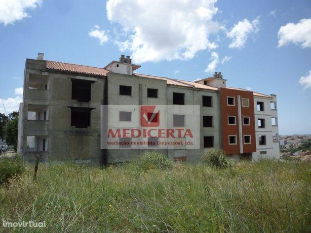 Sintra-Belas PRÉDIO 12 Apartamentos (6 T2 + 6 T3) parquea...