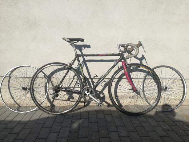 Sprzedam rower szosowy marki Raleigh + drugi komplet kół