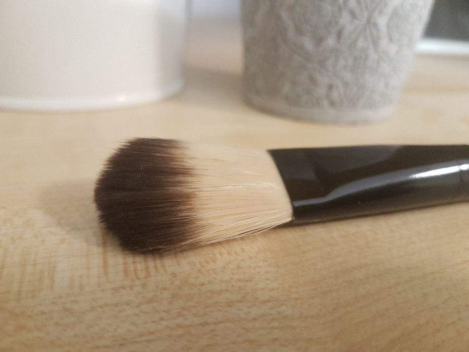 Pędzel do podkładu Douglas makijaż fluid Chocianów - image 1