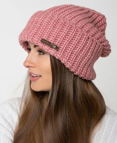 Новая стильная шапка , отличное качество . Классно смотрится Цена 100