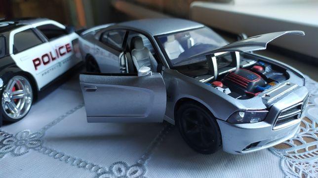 Dodge Motor Max 1:24