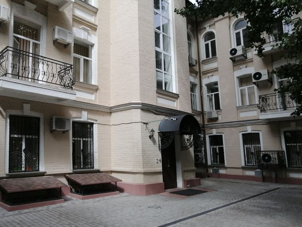 Аренда офиса 60 м. кв., ул. Жилянская.