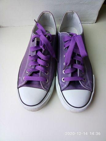Фиолетовые женские кеды