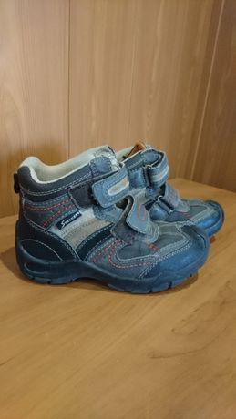 Ботинки демисезон фирмы Sneakers 29 размер, стелька 18 см.