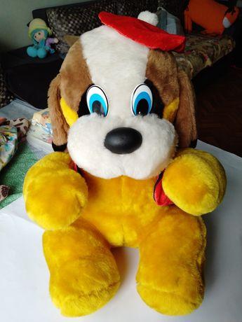 Большая мягкая игрушка собака