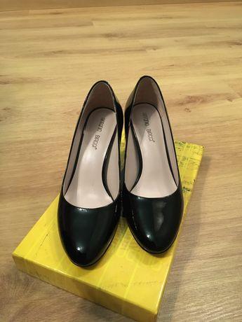 Туфли лаковые