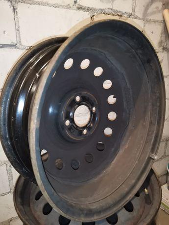 Felga stalowa Nissan 5 1/2Jx15H2 4 sztuki