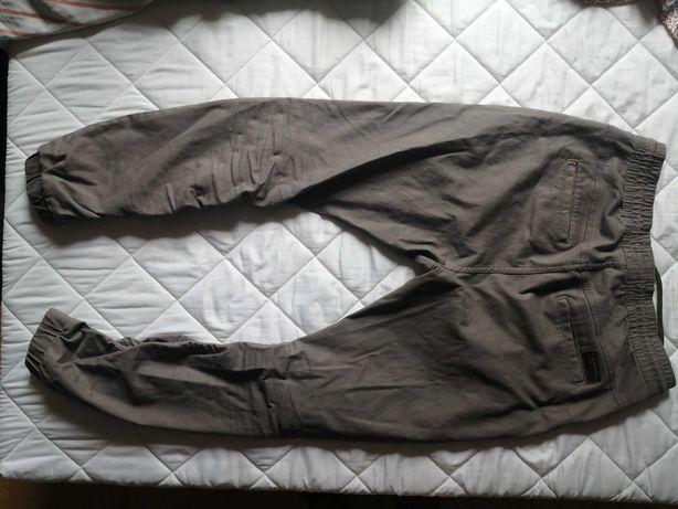 Sprzedam męskie spodnie długie firmy House Brand