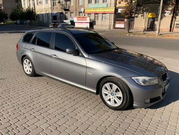 Продаю BMW 318D_ 2.0L_ 2010 г._ Touring