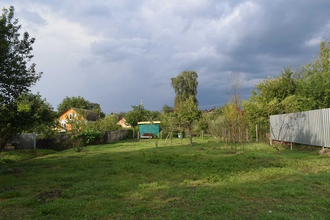 Без %  Продам  участок в центре Калиновки Васильковский р-н 8 соток