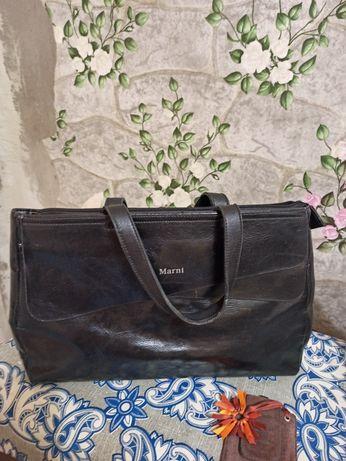 Продам сумки из кожзаменителя,черную, светлосерую