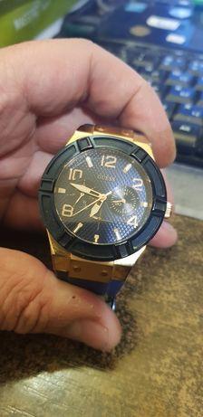 Годинник Guess W0571L1