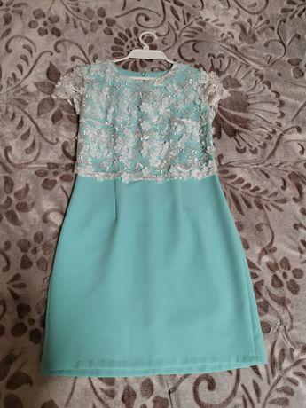 Продам нарядне плаття