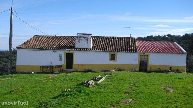 Quinta ou herdade, 380 000 m², Alandroal (Nossa Senhora da Conceição), São Brás dos Matos (Mina do Bugalho) e Juromenha (Nossa Senhora do Loreto)