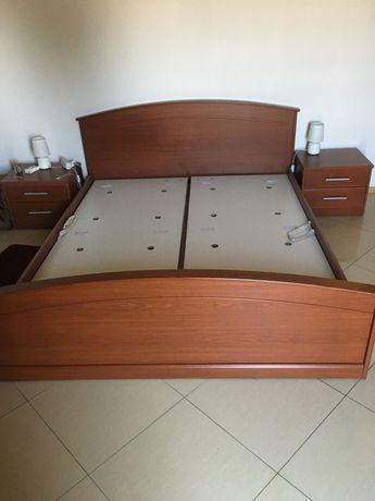 Sprzedam łóżko z materacem.