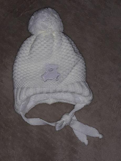 Продам шапочку зимову