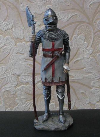 Солдатик Рыцарь Тамплиер Крестоносец с алебардой алебардист 150 мм