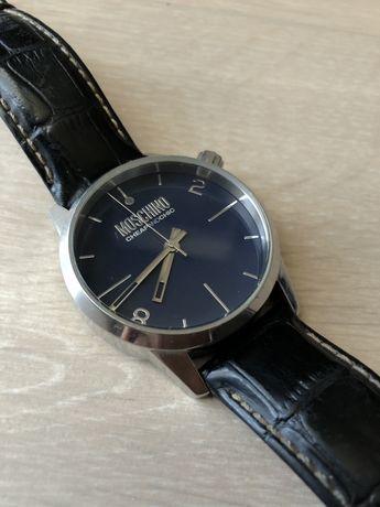 Часы Moschino CheapAndChic