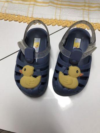 Vendo sandalias Ipanema tamanho 19