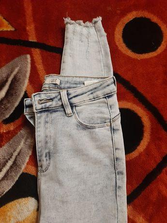 Nowe spodnie jeansowe, S/M