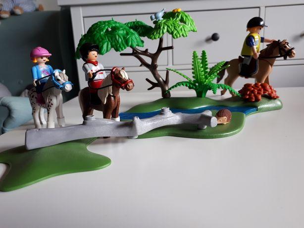 Playmobile zestaw z końmi
